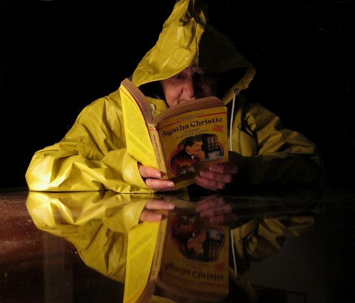 La signora in giallo legge...giallo! di patapam