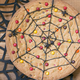 Spiderweb Cookie Cake