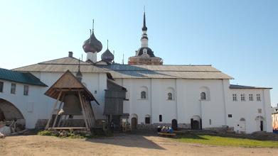 Photo: Комплекс Успенской церкви с трапезной палатой