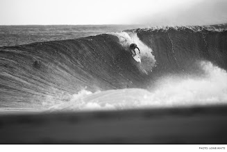 Photo: Julian Wilson, Off The Wall. Photo: Lowe-White #Surfer #SurferPhotos  To view more surf photos, click here:http://bit.ly/16YUIae