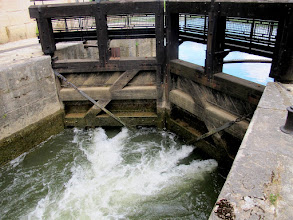 Photo: Die Schleuse korrigiert den Wasserstand (Erika)