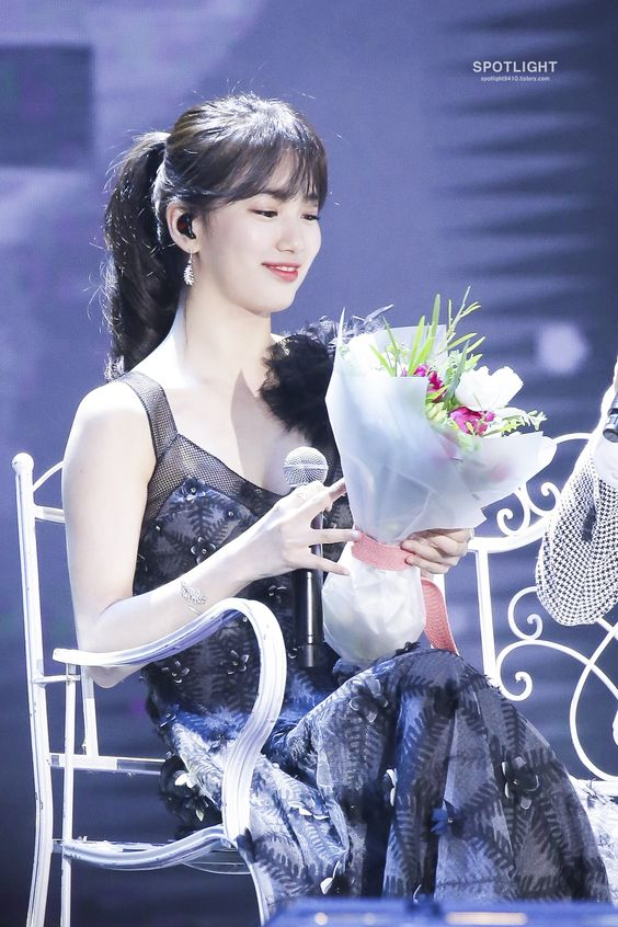 suzy gown 33