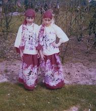 Photo: Ina Vedder en Hetta Jansen, zigeunerrinnetjes
