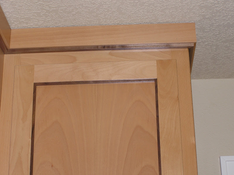 We Have A Very Simple Moulding For Our Light Toned Shaker Cabinets.