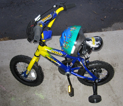 BigE's new blue and yellow 12 inch bike