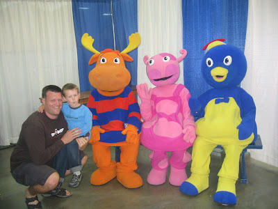 BigE Dada and the Backyardigans