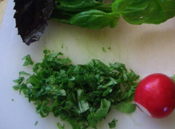 Chop all the fresh herbs and end of all the reddish to fine pcs