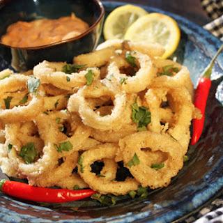 Crispy Calamari with Spicy Dipping Sauce