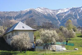maison à Seyne les alpes (04)