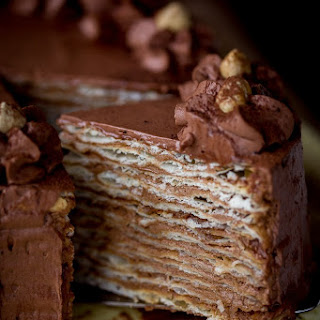 Mikado – Layer Cake with Chocolate Custard Buttercream.