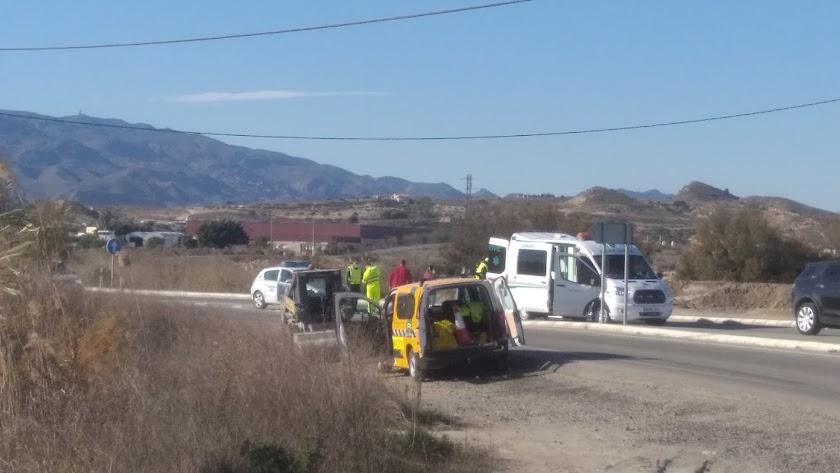 Evacuación del varón en ambulancia, esta mañana.