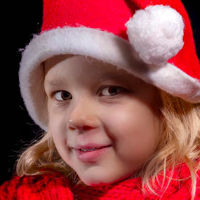 Smile in red by Mario Toth - Babies & Children Child Portraits ( child, red, girl, christmas, smile,  )