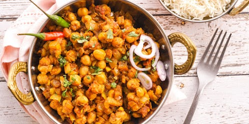 Chana Masala (Curried Chickpeas)