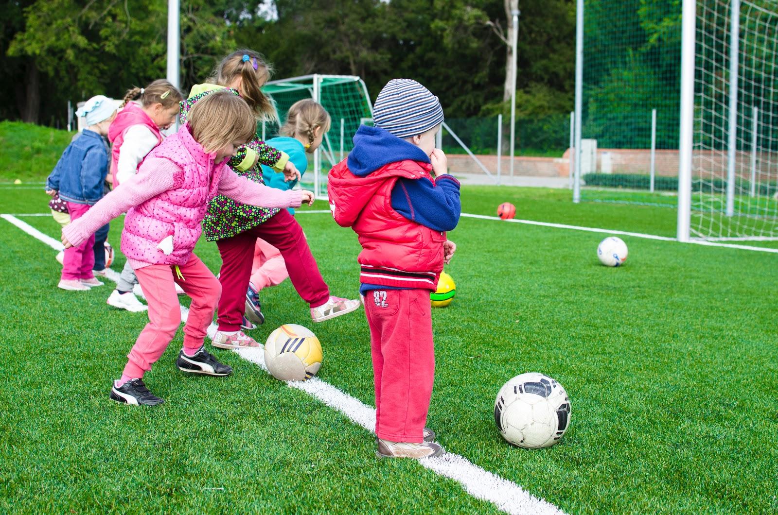 Hoạt động ngoài trời giúp trẻ phát triển toàn diện hơn