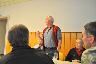 Photo: Information sur le match aux cartes par M.Ernest Cotting