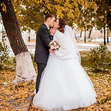 Wedding photographer Anastasiya Koneva (deadmiracle). Photo of 04.12.2016