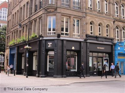 Toni Guy Hairdressers In City Centre Leeds