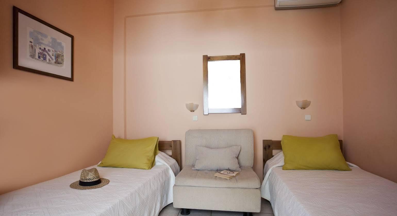 Stefano Apartments