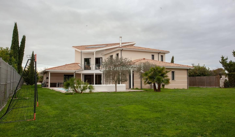 Maison avec piscine et terrasse Camblanes-et-Meynac