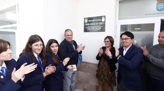 Fines inaugura los locales que darán vida a la Plaza de San Esteban