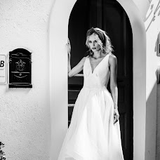 Wedding photographer Olya Khmil (khmilolya). Photo of 15.01.2018