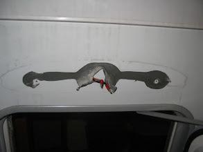 Photo: Adhesivo para la goma, es algún tipo de silicona, sale con facilidad.