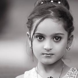Mosuli Beauty by Azher S Saleh - Black & White Portraits & People ( black and white, portrait, child )