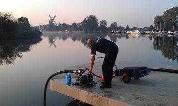 Photo: Grondige inspectie van de Homelite door Cees Sluijk