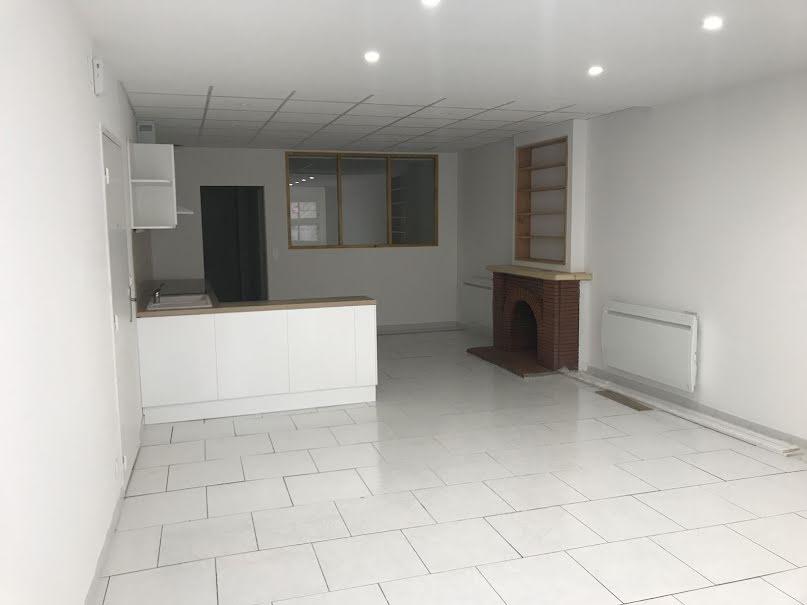 Location  appartement 3 pièces 76.51 m² à Villeveyrac (34560), 670 €