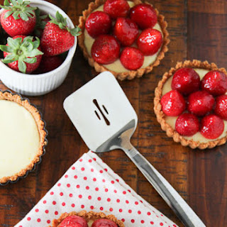 Easy Strawberry Cheescake Tartlets