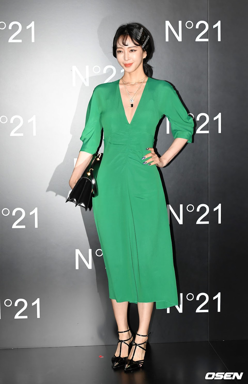 han ye seul green dress 5