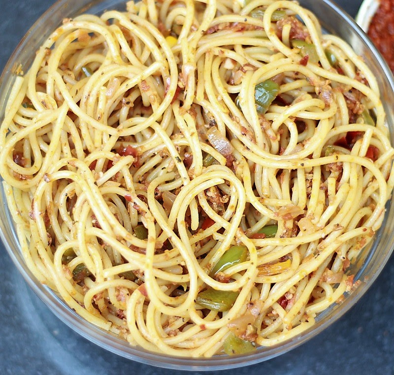 Arrabbiata Sauce with Pasta Recipe | Spicy Pasta Arrabbiata (Vegetarian) by Foodomania.com