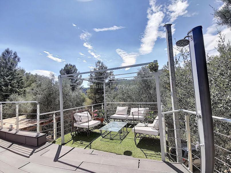 Vente villa 5 pièces 215 m² à Aspremont (06790), 749 000 €