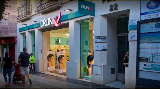 La guerra de las perfumerías llega a Almería