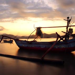 by Tri Hendro Kusumo - Transportation Boats