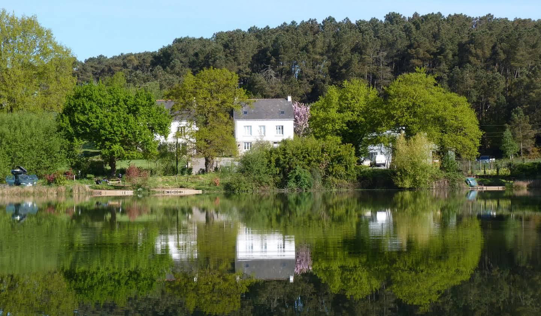 Propriété avec piscine et jardin Saint martin sur oust