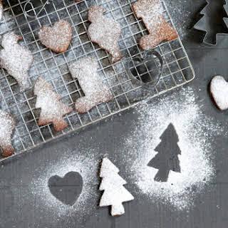 5 Ingredient Cinnamon Spiced Christmas Cookies.