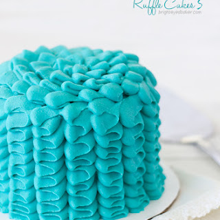 Mini Vanilla Bean Ruffle Cakes