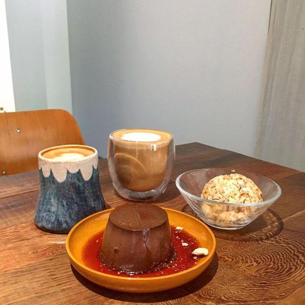 La Grotta 半凍冰糕讓人回味無窮_初嚐濃稠且帶有酒香的巧克力爆漿滋味
