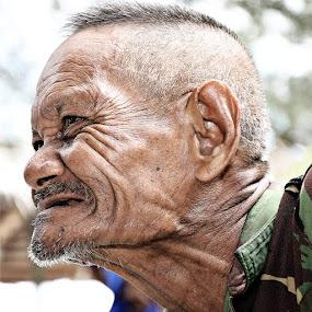 the old man by Taufiqurrahman Setiawan - People Portraits of Men