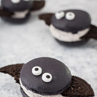 Cookies and Cream Macaron Bats Recipe