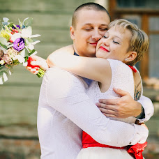 Wedding photographer Polina Mishurinskaya (Lina123). Photo of 03.03.2017