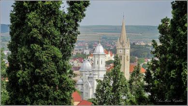 Photo: Cimitirul Turda-Veche, vedere panorama - Catedrala Ortodoxa si Biserica Reformata din centrul istoric -  - 2017.07.05