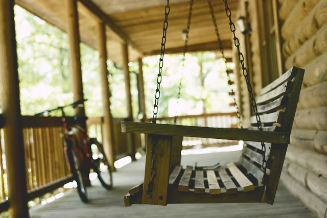 Wooden Outdoor Furniture: Wood Porch Swings