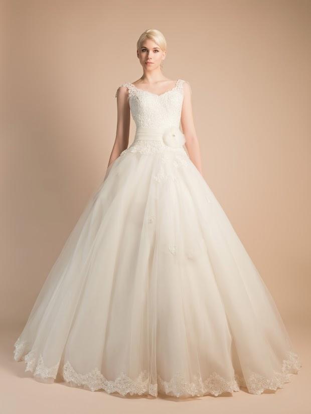 Robe de mariée Arôme, robe de mariée dentelle fine, robe de mariée bretelles, robe de mariée princesse