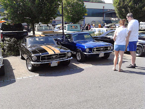Photo: 2 mal Ford Mustang klassisch