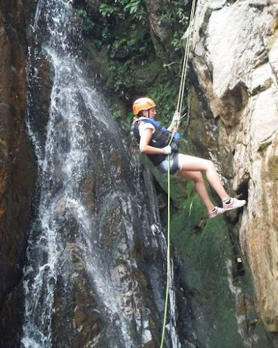 That time i almost died upside down in a waterfall in Vietnam
