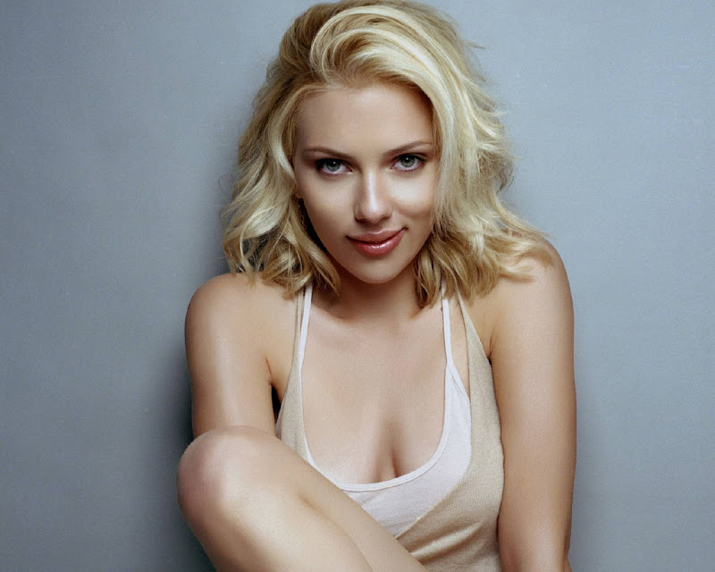 hot scarlett johansson wallpapers. Scarlett Johansson wallpapers