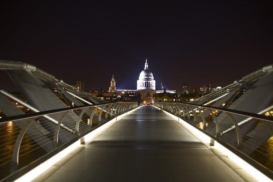 ST  PAULS by James Blyth Currie - City,  Street & Park  Vistas ( st pauls, millennium bridge, night, long exposure, evening )