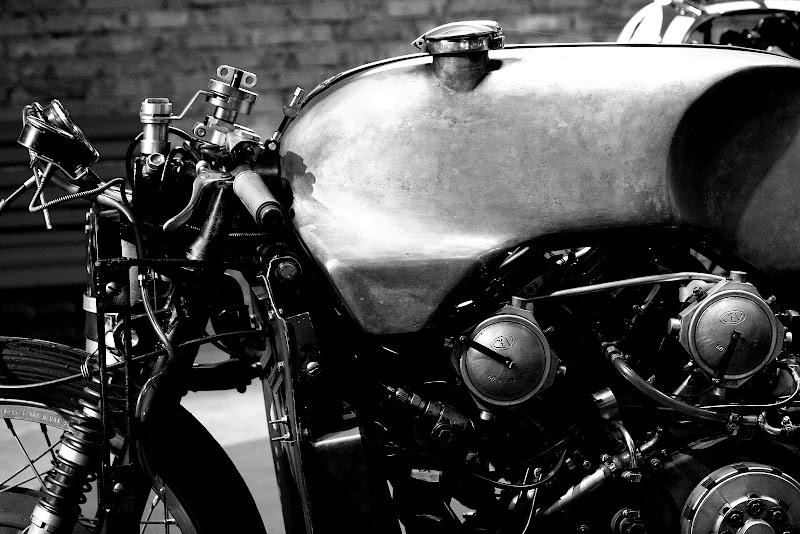Passione pura! ( Moto Guzzi del '56) di Andrea F